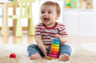 Ребёнок не собирает пирамидку?
