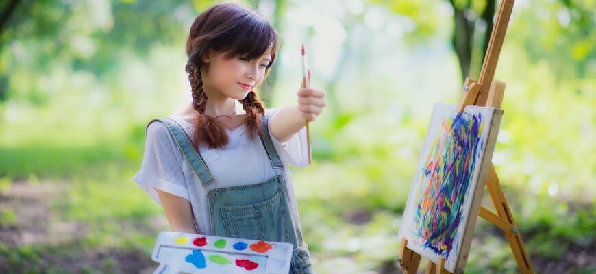девочка рисует талант
